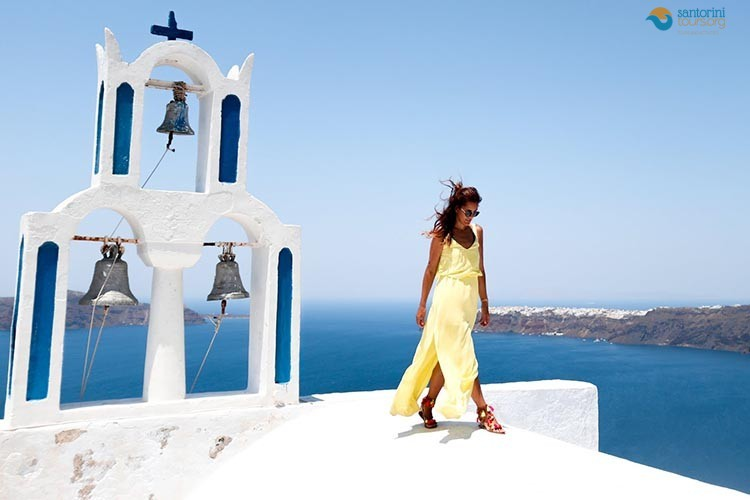 Why you should visit Santorini during October