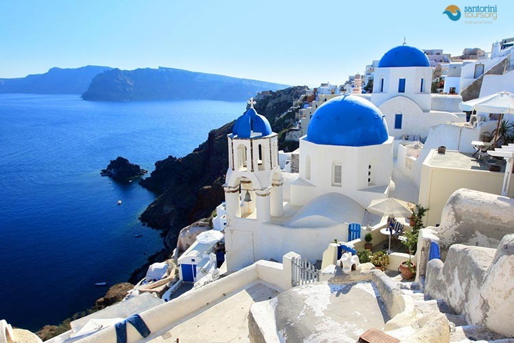 Five magical shades of Santorini Tours