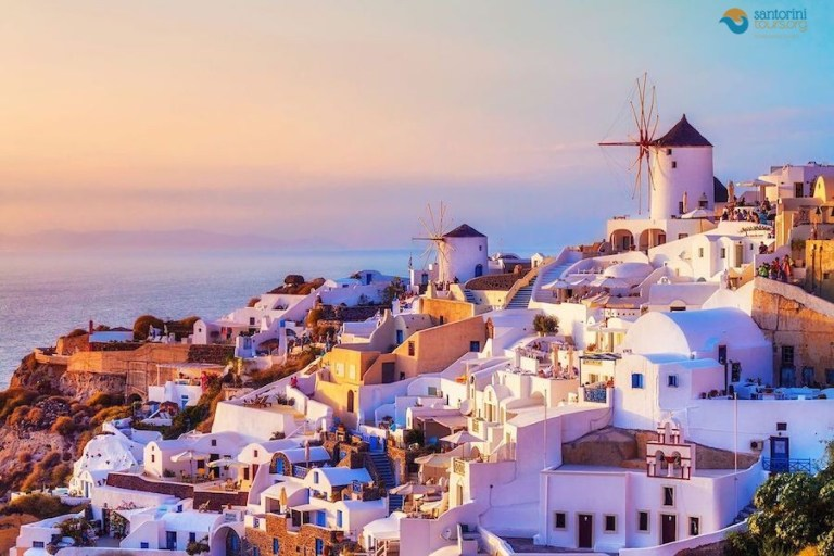 visit-santorini-during-autumn-2020/
