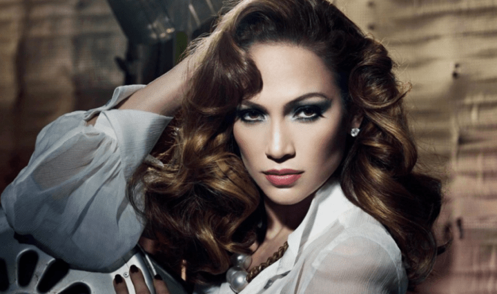 Jennifer-Lopez-sera-uma-perigosa-assassina-em-novo-filme-da-Netflix-768x444