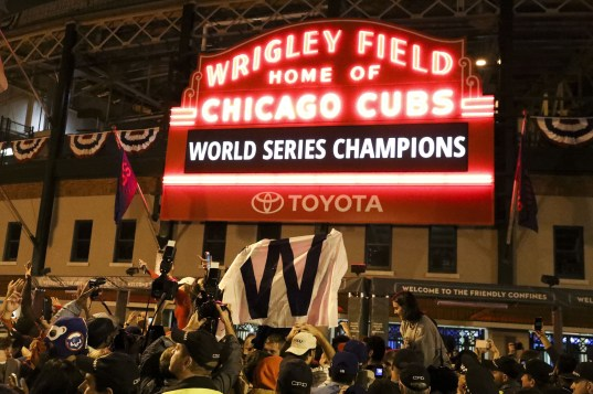 ct-cubs-game-7-world-series-tv-ratings-20161103