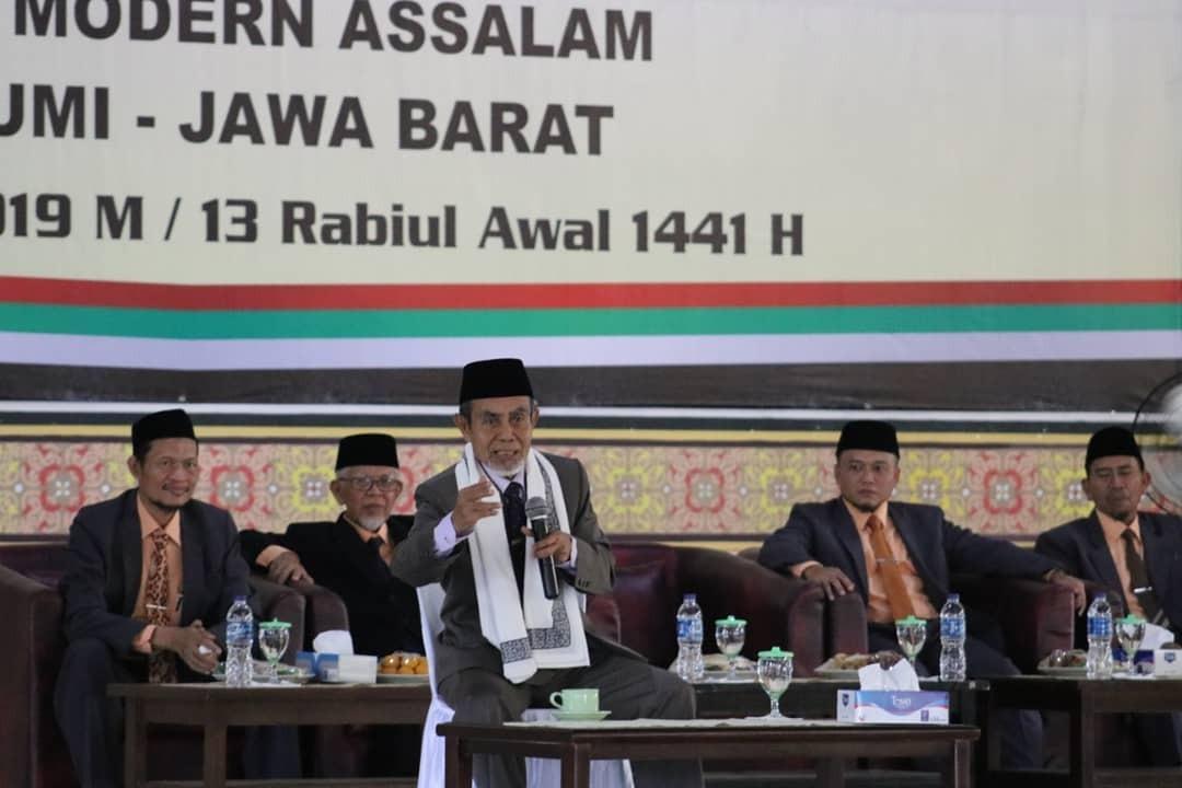 Gedung Aisyah Pondok Modern Assalam Diresmikan KH. Hasan Abdullah Sahal