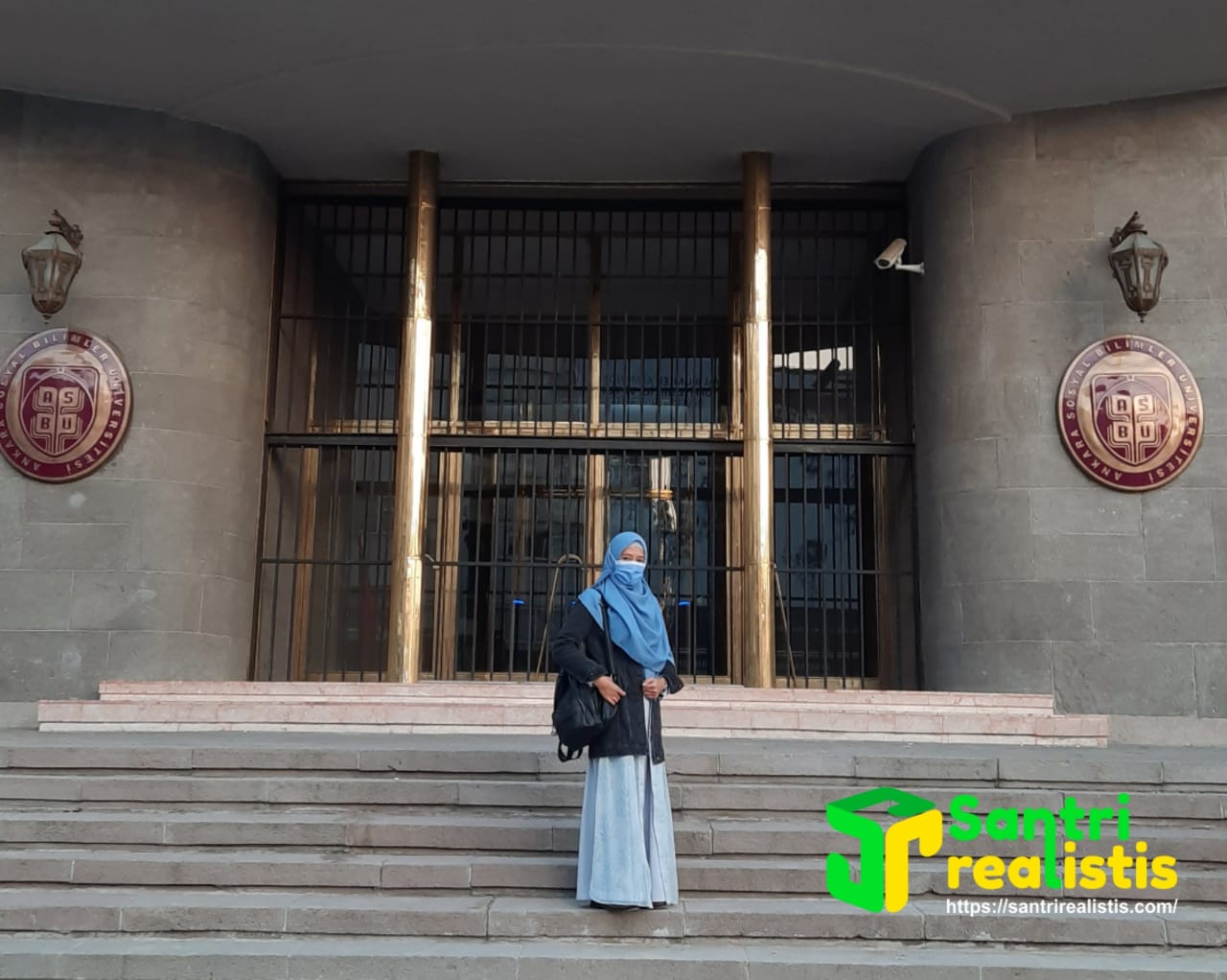 Silmatunnisa, Santriwati Asal Sukabumi yang Kini Kuliah di Turki