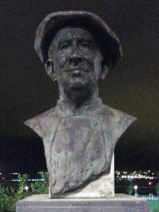Busto de José María González Barea (Currito) 5