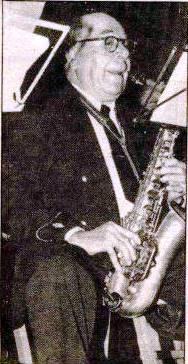Gaspar Arribas Martínez (músico) 1.984-02-04 - copia