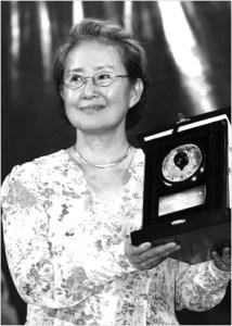 Чжан Цзе на церемонии вручения Литературной премия Мао Дуня, 2005 год