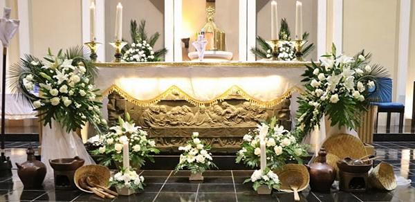 (kompendium katekismus gereja katolik, no. Dekorasi Altar Di Misa Kamis Putih Paroki Santo Yosep Purwokerto