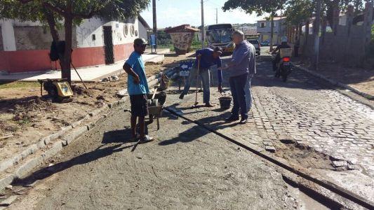 Prefeitura está recuperando ruas do Novo Santo Antônio e Golandim