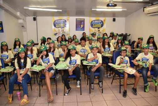 Estudantes de São Gonçalo participam de projeto de combate à dengue