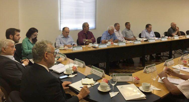 Marcos Pagani FAESC/Sindicato Rural e Rogério Pereira AMAP defenderam o setor agrícola em importante reunião na capital