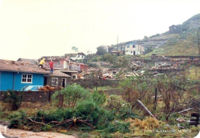 Tornado-S%C3%A3o-Joaquim-5.jpg?resize=662%2C458&ssl=1