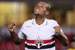 Luis Fabiano estará novamente a disposição diante do Coritiba