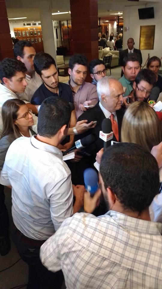 ca686c6d71 Vídeos discurso Leco emocionando-se ao assumir o posto de presidente do São  Paulo FC!