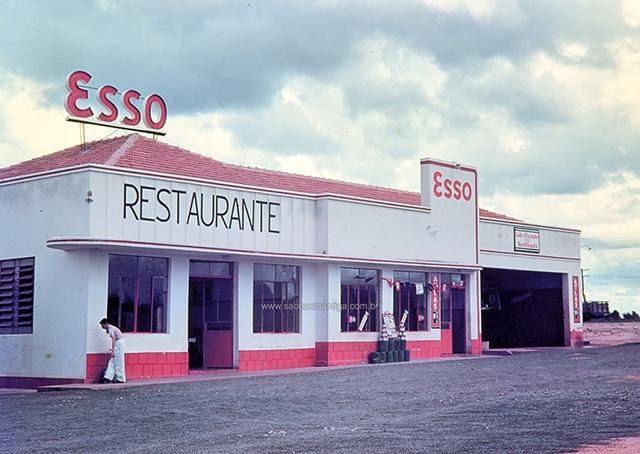 Posto Esso em em Bauru, interior de São Paulo