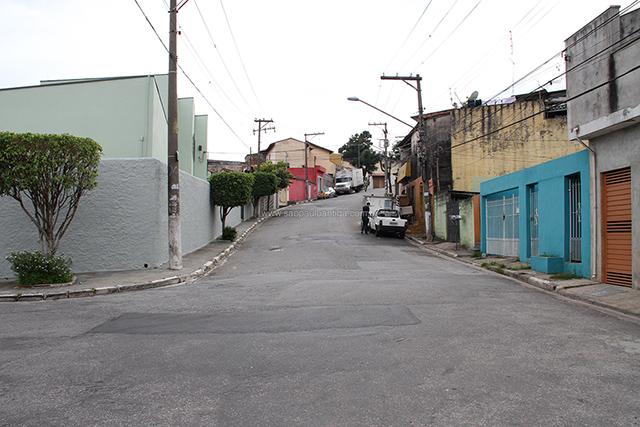 vista parcial da Avenida Santana, em Guarulhos (clique na foto para ampliar)