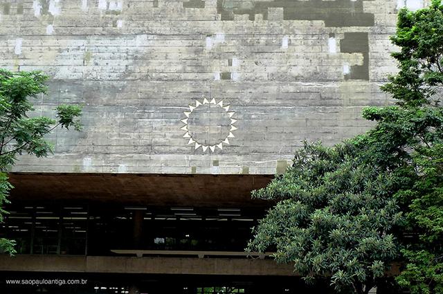 Detalhe da fachada da FAU/USP (clique para ampliar)