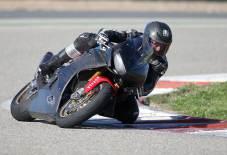 Pneumatik je namenjen motociklistima koji imaju tehničku podršku trkačke ekipe