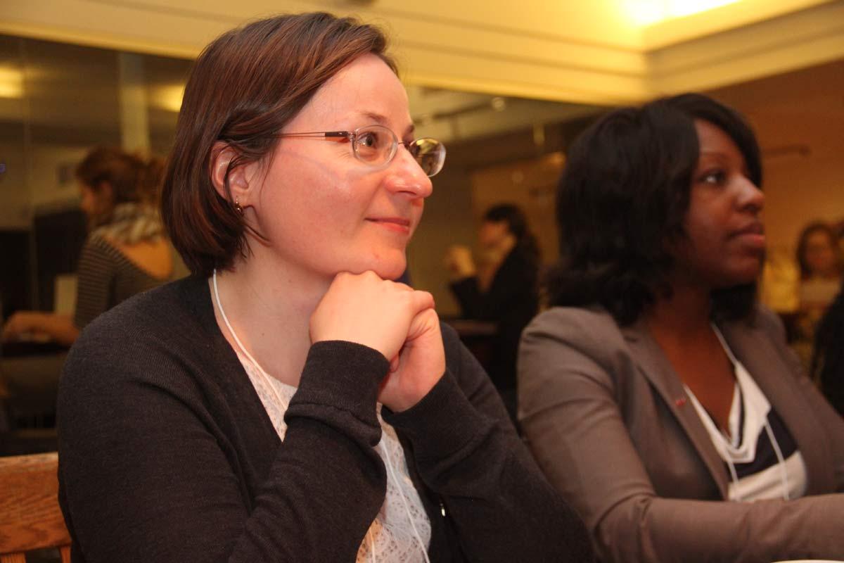 L'oeil attentif et bienveillant d'une membre de l'Équipe de la Fondation du Grand Montréal