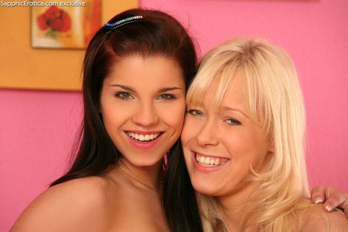 Sapphic Erotica Venus & Dorothee in Bedroom Desires 12