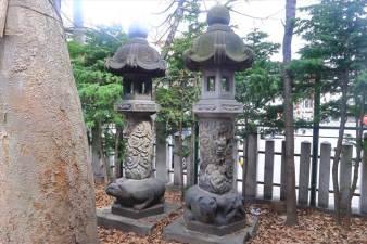 北海道神宮頓宮 札幌最古の石灯籠