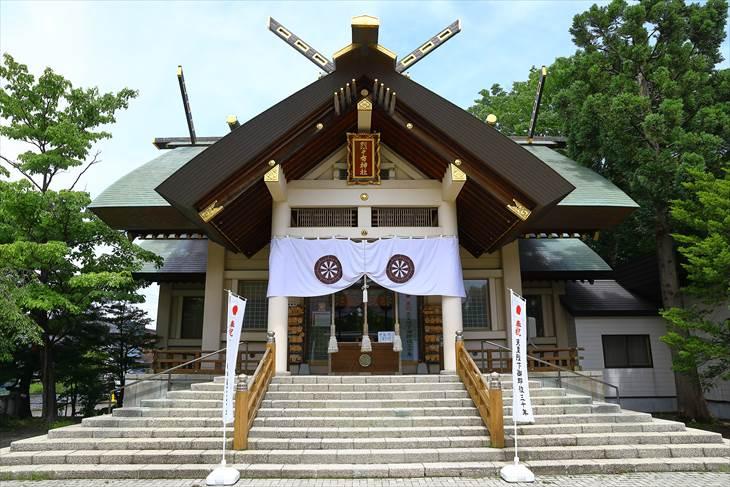 烈々布神社 社殿