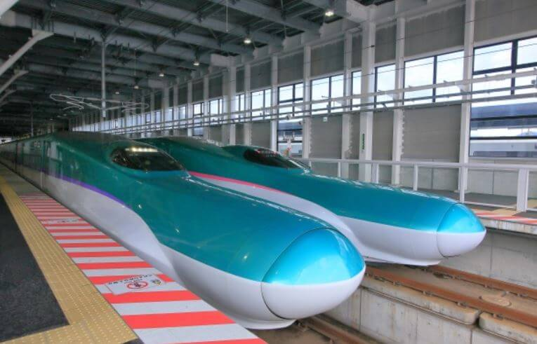 北海道新幹線はやぶさ
