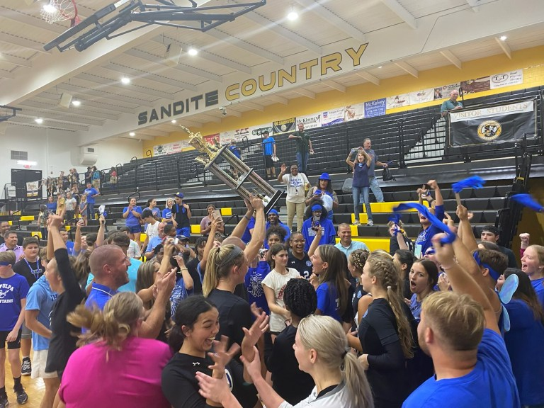 Sapulpa volleyball surges back to defeat Sand Springs