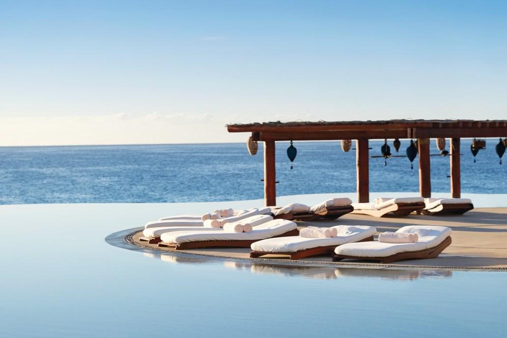 infinity-pool-at-las-ventanas-al-paraiso-hotel-los-cabos-mexico-conde-nast-traveller-21jan16-squire-fox_