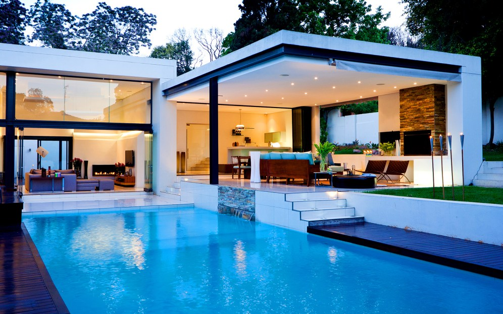 modern-white-nuance-of-the-beautiful-homes-with-pools-that-has-minimalist-pool-can-add-the-beauty-inside-the-house-with-white-concrete-wall-inside-the-house