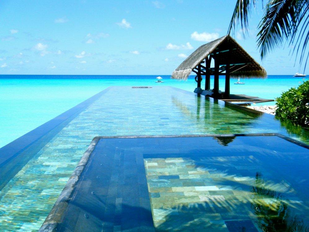 Paradise-Pool-The-Maldives