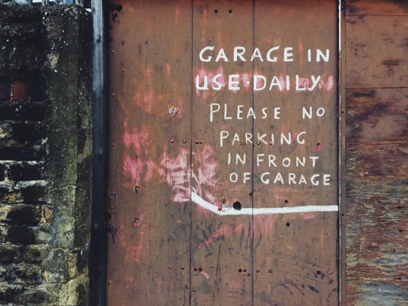 fin garageskylt