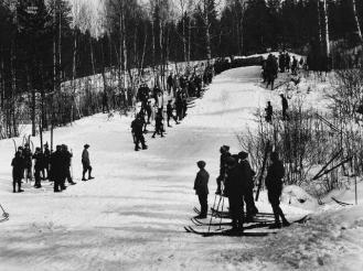 Hopprenn 25. feb 1922. Foto: Wilse / Nasjonlabiblioteket