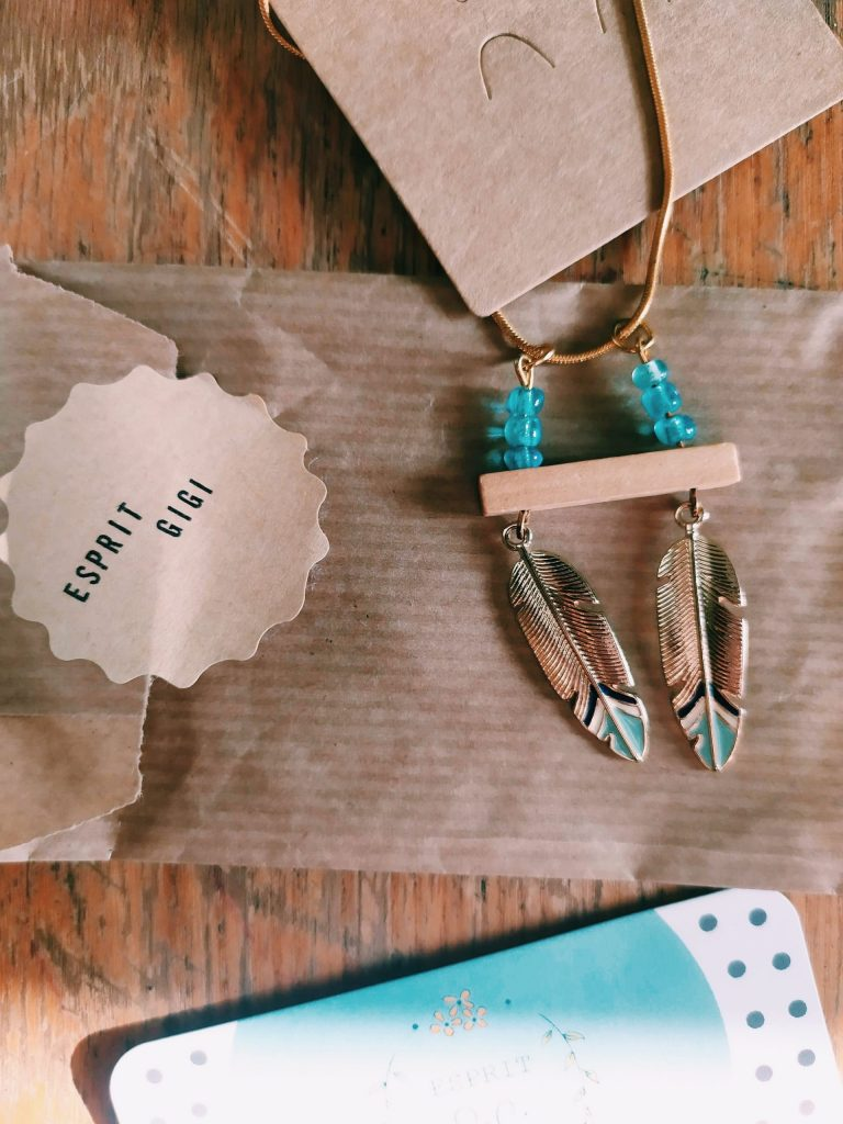 Esprit Gigi, pour des bijoux fait main et avec amour.