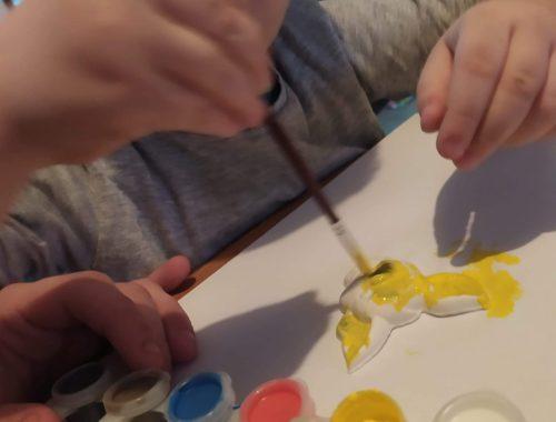 SES CREATIVES Activité du mercredi, Mouler et peindre.