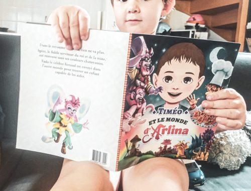 Le monde d'Arlina : un livre personnalisé au prénom de l'enfant.