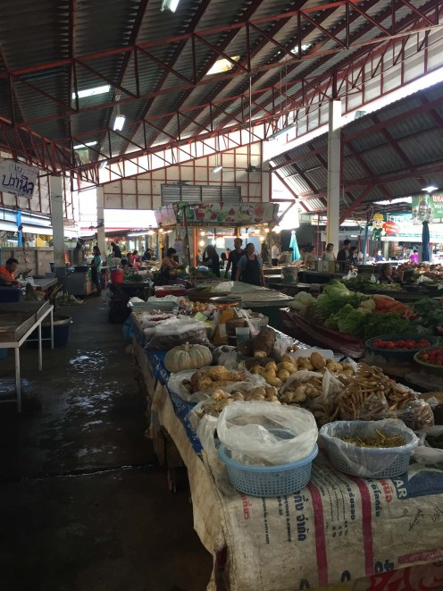Asawin, local market in Lampang.