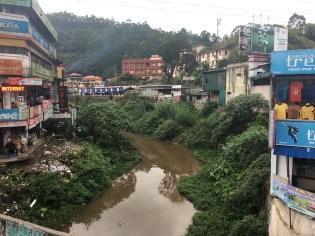 A river runs through it.