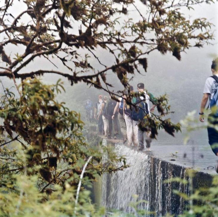Waterfall - 2005 - 20 x 20 - Chromogenic Print