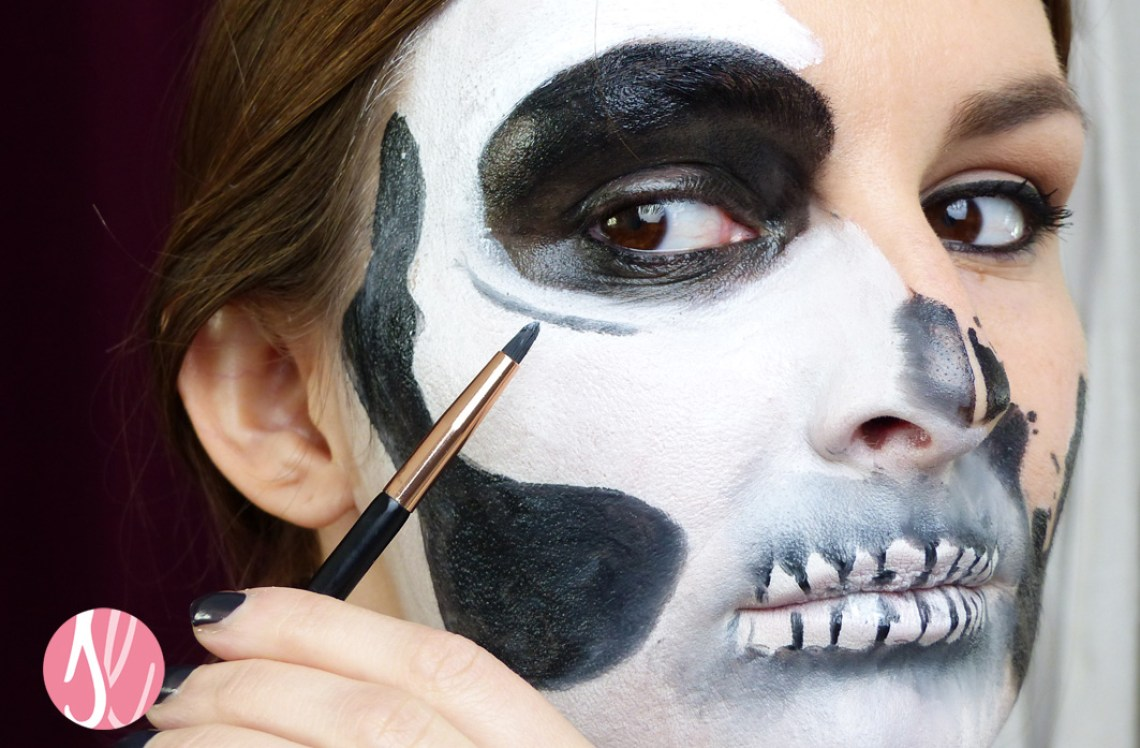 halloween_makeup_tutorial_glam_skull_theater_schminke_verblenden-1