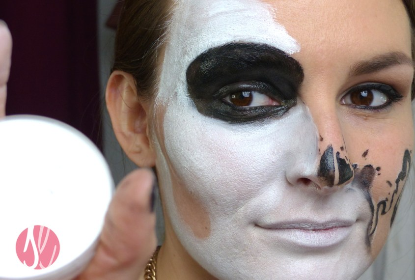 halloween_makeup_tutorial_glam_skull_theater_schminke_weiss