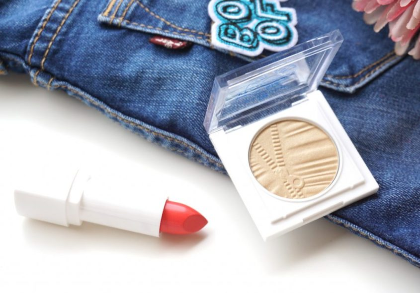 essence hip girls wear blue jeans metallic foil lip powder