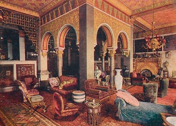 Turkish Den. Planters Hotel Saint Louis.