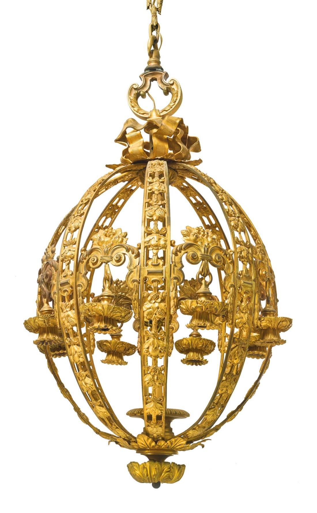 Ten light chandelier.ca. 1900-1925. Gilt bronze.