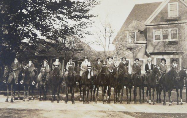 Students lined up on horseback, Highland Hall, Walnut Hill School. 1921.
