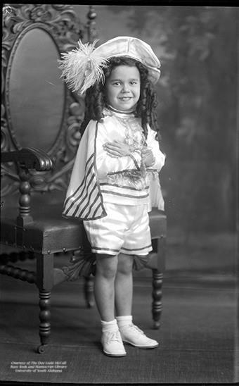 Austill Pharr, Mardi Gras junior page boy of 1930.