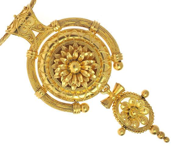 Pendant/brooch. mid 19th century.