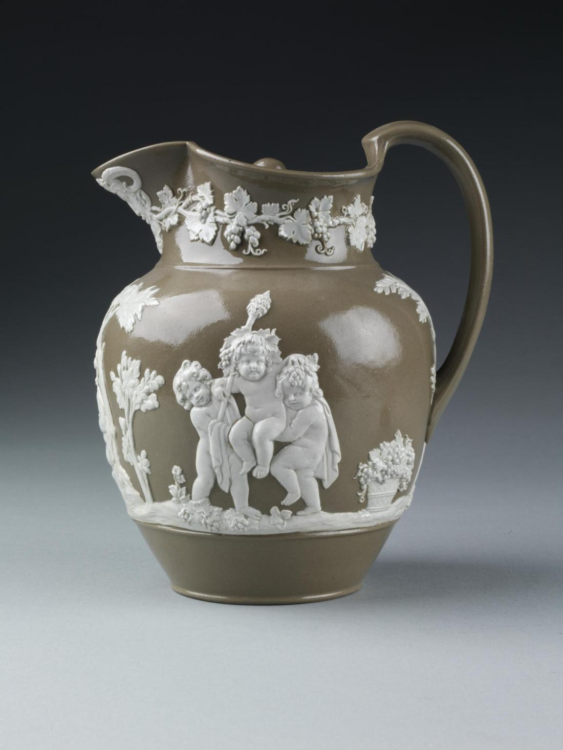 Jug and cover. 1800-1810.