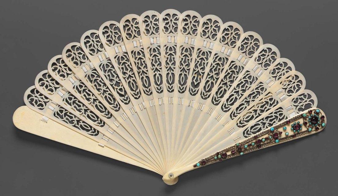 Brisé fan. ca. 1830-55.