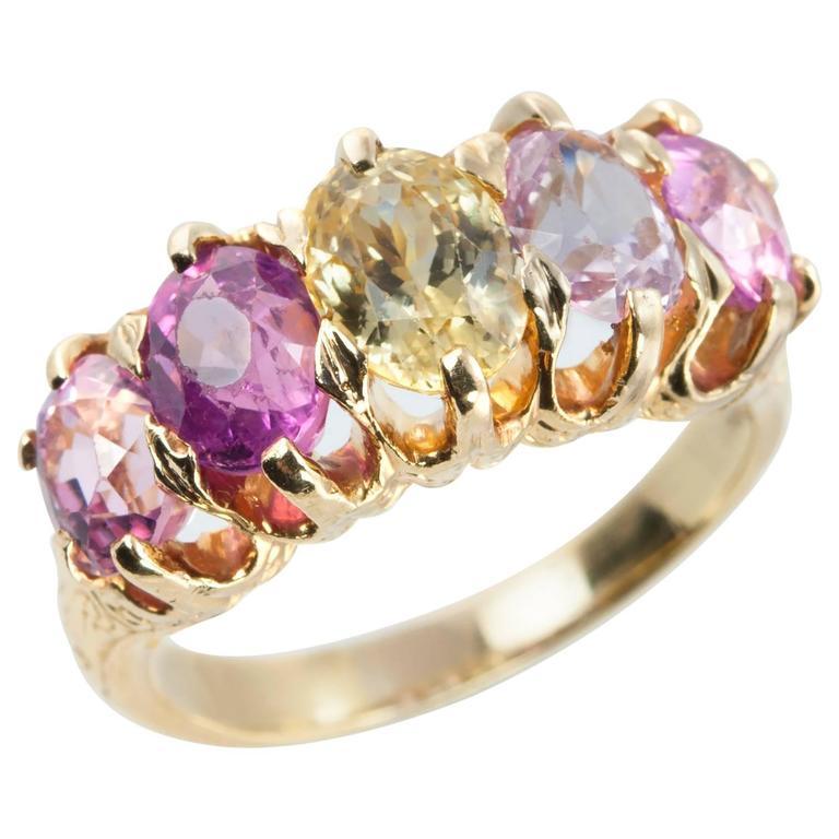 Five stone sapphire ring. ca. 1900.