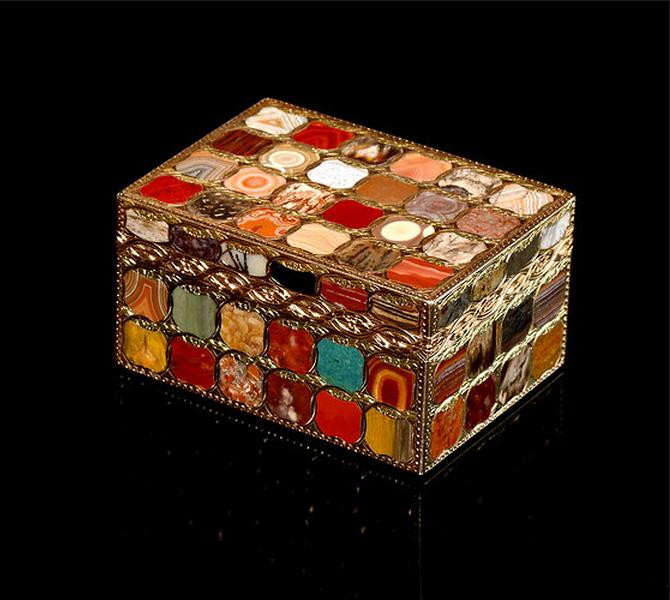 Steinkabinettabatiere, or stone cabinet snuffbox. ca. 1765-70.